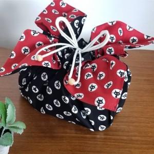 Lサイズ お弁当袋になっちゃう!!ランチクロス☆黒猫ブラック丸窓(50cm×50cm)