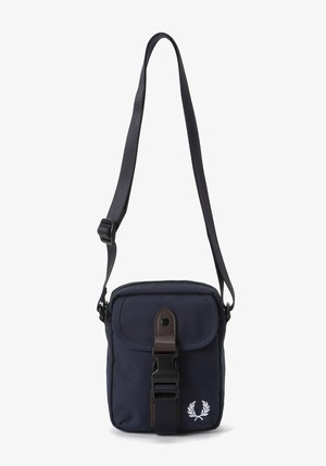 FRED PERRY:SMALL SHOULDER BAG