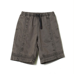 White mountaineering × Gramicci /GARMENT DYED TRIPLE NEEDLE STITCH SHORTS [BLACK]