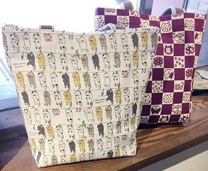 洗濯猫の綿麻トートバッグ 【干される猫/マチ・ホック付】