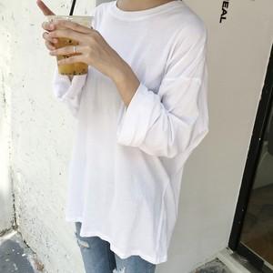 【トップス】シンプル無地合わせやすいルーズベージック長袖着痩せTシャツ22536172