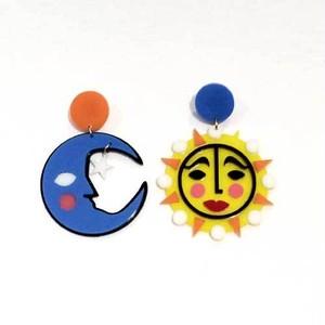 【オリジナルセレクト商品】ユニークなお顔の月と太陽◆個性派◆ピアス