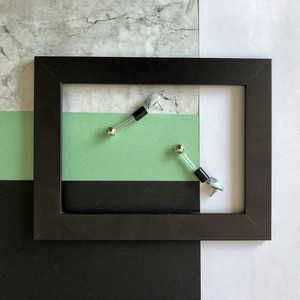 デザイナーズブランド/アクリルピアススクエアマーブルmarble-green