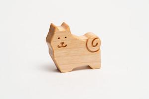 木のブローチ・柴犬