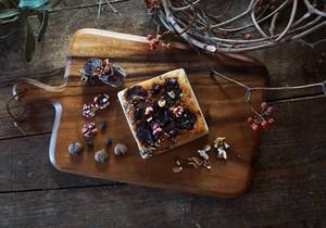 グルテンフリーの麹チーズケーキ(トッピング:くるみ・干し柿・黒豆グラッセ)【送料無料】