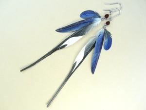 ツバメ_ピアス・イヤリング_小・S中・大 フックピアス チタンピアス 樹脂ピアス イヤリング 樹脂イヤリング 羽 羽根 フェザー 翼 鳥 野鳥 インコ