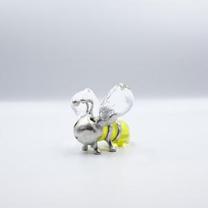 ミツバチ 【細見 博子】