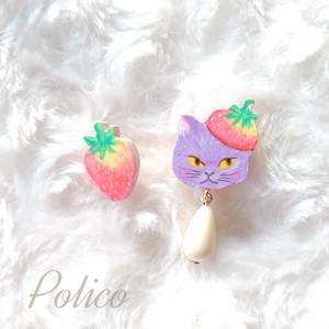 【POLICO (P)】ネコとイチゴピアス