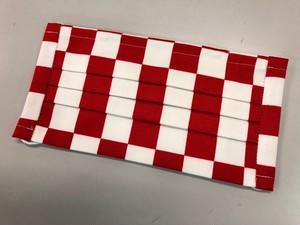 市松模様手作りマスク 白×赤(小さめ柄)