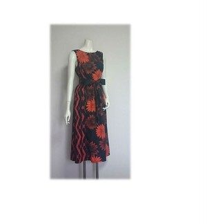 173*2種類の柄浴衣からAラインワンピース(黒×オレンジ)