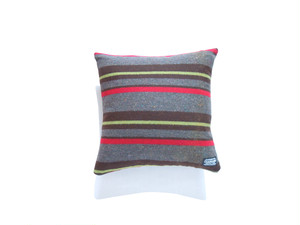 BORDER-CUSHION