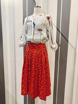 フレンチプリントのミモレ丈スカート