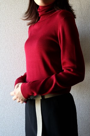 Vintage silk turtle neck cut sew