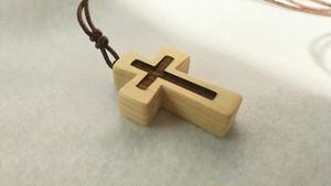 青森ヒバ 木製アクセサリー/ネックレス クロス