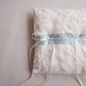 Wedding Ring pillow leaver lace(square)