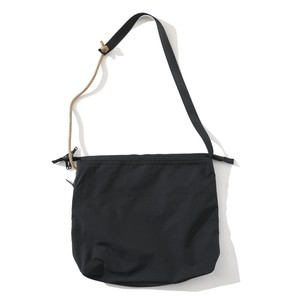 IFNi REVERSIBLE SHOULDER BAG [ BLACK ]