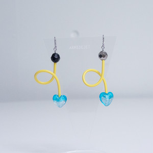くねくねポップ Pierces / Earrings -poolside yellow-