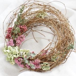 ペッパーベリーとスターチス、紫陽花のナチュラルピンクリース 母の日ギフトにもおすすめ!