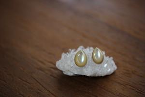 夜光貝のピアス 14kgf