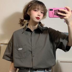【トップス】今季も大流行 韓国系ルーズ 合わせやすい 半袖 刺繍 シングルブレスト 無地 シャツ44413973