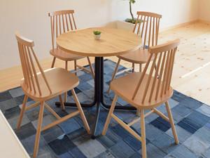 丸カフェテーブルとチェア4脚セット