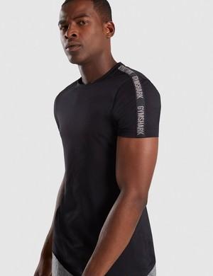 GymShark ジムシャーク taped t-shirt Tシャツ – ブラック【BLACK】 メーカー直輸入品!