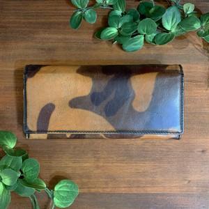 【牛革(迷彩プリント)】かぶせ型長財布<camouflauge> 牛革 本革 迷彩 長財布 レザーウォレット W8224