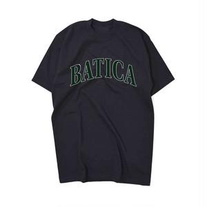 BATICA COLLEGE LOGO T-SHIRT BLACK × GREEN