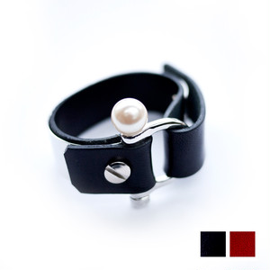 METAL PLATE LEATHER BANGLE/SILVER