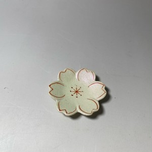 桜豆皿 [ 6 x 1cm ] 【初秋の赤絵食卓】