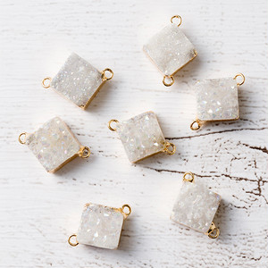 再入荷[天然石 パーツ]ドゥルージー2カン付ダイヤモンド(ホワイトAB)1個 D0354