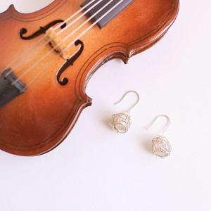 チェロ弦のシルバーワイヤーボールピアス Cello silver strings wire ball pierces