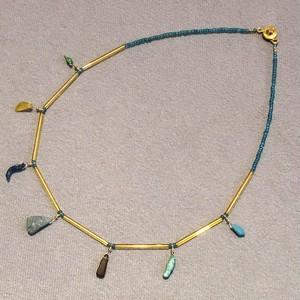 古代の輝き!ローマンガラスのネックレス