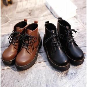 【シューズ】レトロ学園風合わせやすい厚底ブーツ