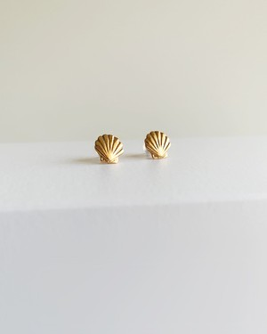 K10 Shell pierced earrings  /  Belleza by n