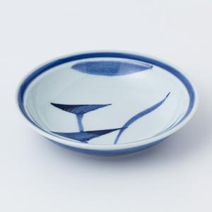 縁付深皿(嬉草紋)