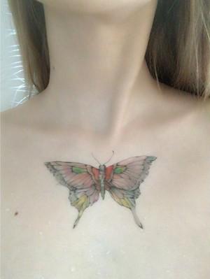 淡い蝶タトゥーシール