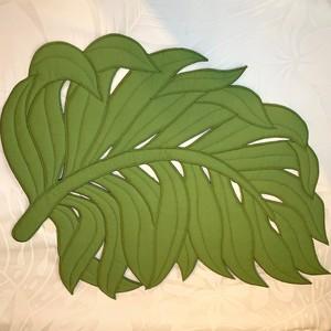 ハワイアンランチョンマット シダの葉モチーフ