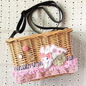 カゴポシェット ピンク 「ウサギと魔法の花」