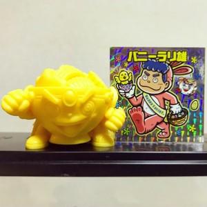 ラーメンくんゴム人形 (黄) + バニーラリ雄キラ (日の出ツタンカー麺Rキャンペーン)