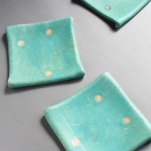 青釉たたら皿
