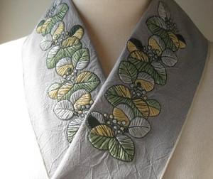 刺繍半衿・復刻。ツワブキ