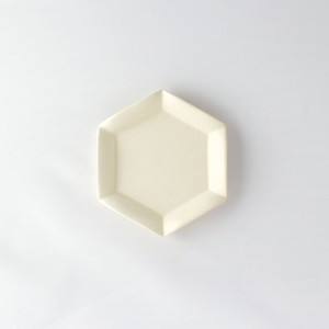 HAJIYOSHIDA(ハジヨシダ)六角白花皿 ホワイト(小)11,6 x 10,2cm 陶器 小皿 和菓子皿 食器 テーブルウェア 土師吉田