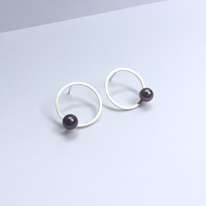 One Pearl on Circle Pierces - Silver