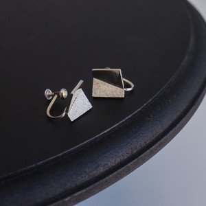 square earring / m