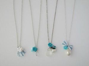 海の花のペンダント。(ガラスシェル、コットンパール、スワロフスキー)Sea flowers