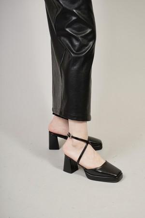 STRAP SANDALS (BLACK) 2102-92-15