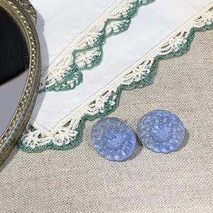 チェコ ヴィンテージ ガラスボタンのピアス (オーロラ・ブルー)