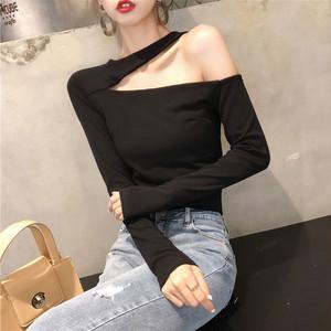 【tops】Tシャツセクシー無地シンプル長袖合わせやすい