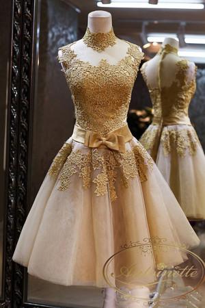 ゴールド ゴールドレース 花嫁ミニドレス ウェディングドレス レースミニドレス 花嫁二次会、ショート丈 パーティドレス リボン